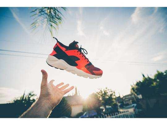Shoes For Men : स्टाइल और कंफर्ट के मामले में शानदार हैं ये Mens Shoes, मिल रहा है खास ऑफर