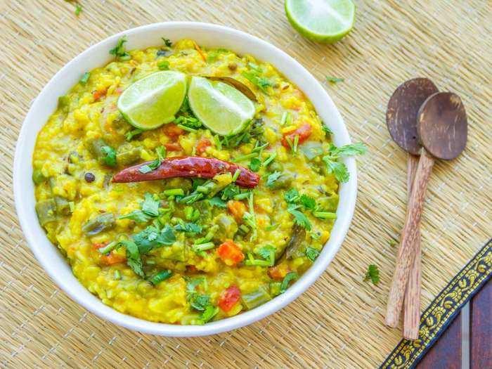 health benefits of dal khichdi or types of khichdi in marathi