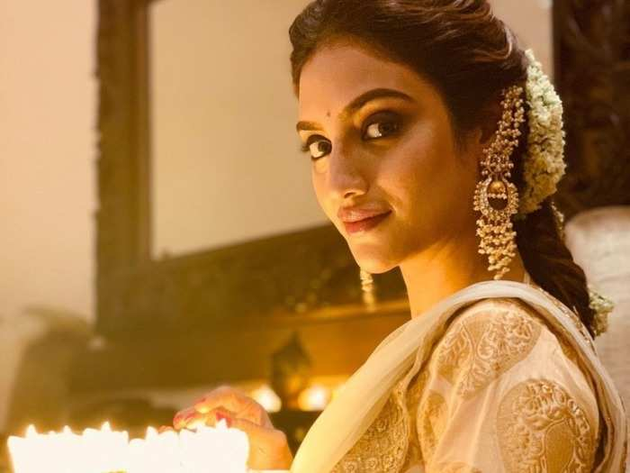 diwali beauty tips get a diwali glow with these instant glow daily face packs