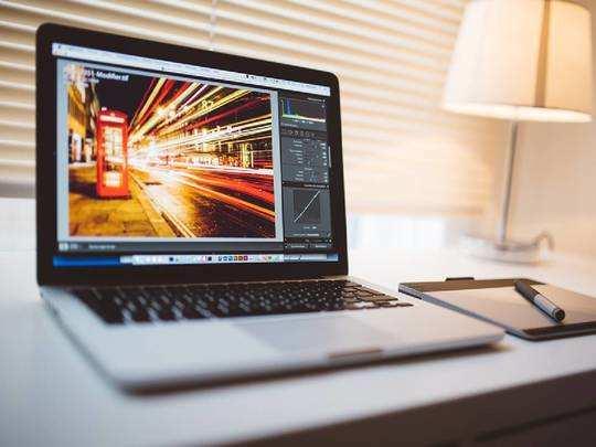 Laptop on Amazon : लेटेस्ट फीचर्स वाले Laptop बंपर डिस्काउंट के साथ खरीदने का आज है आखिरी मौका
