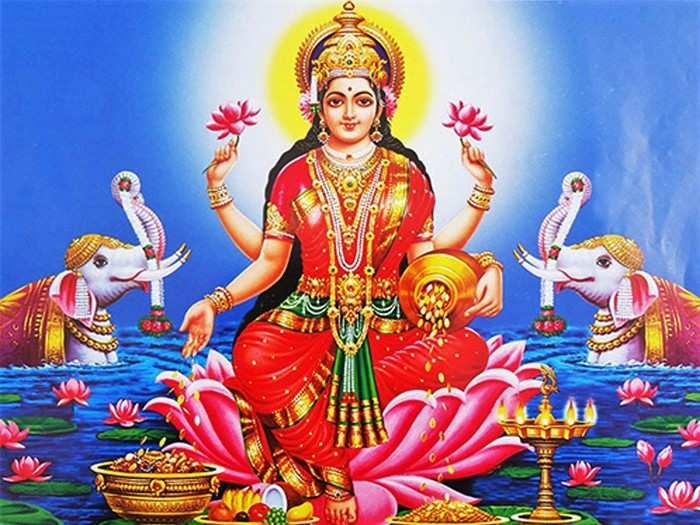 Diwali Lakshmi Pujan 2020 Date दीपोत्सव : या अद्भूत योग व शुभ मुहुर्तावर करा लक्ष्मीपूजन; जाणून घ्या