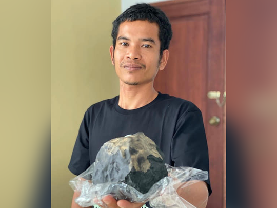 indonesia man becomes millionaire as precious meteorite crashes through his roof