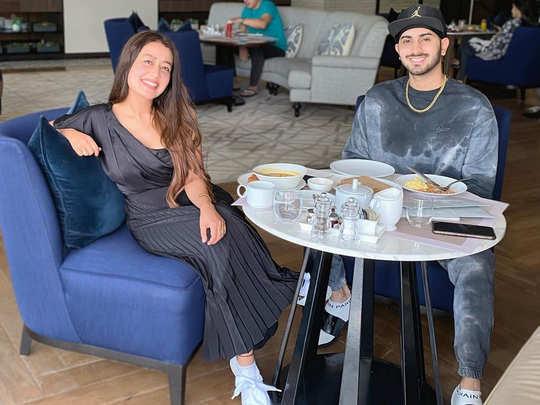 neha kakkar and rohanpreet singh fun pictures at breakfast in dubai gets more than 1 million likes