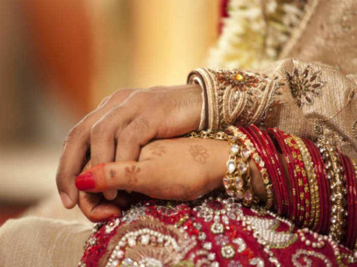 बेकायदा विवाह