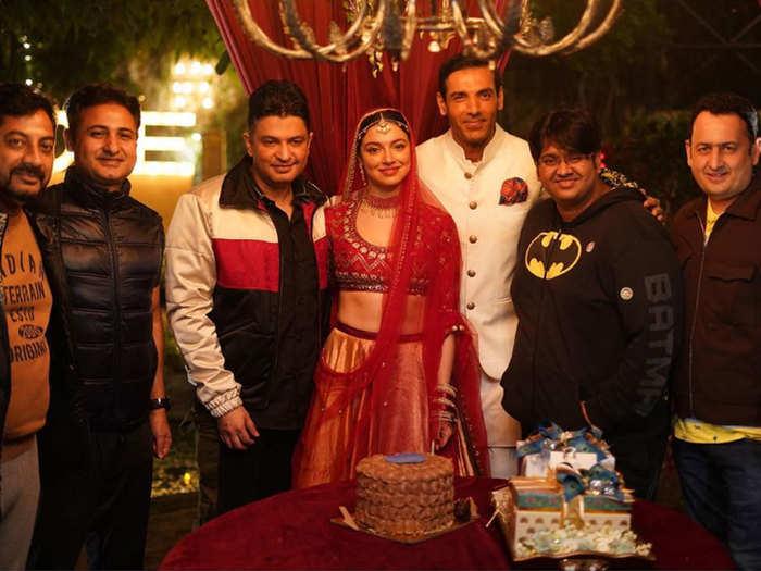 photos divya khosla kumar celebrates her birthday on satyameva jayate 2 set