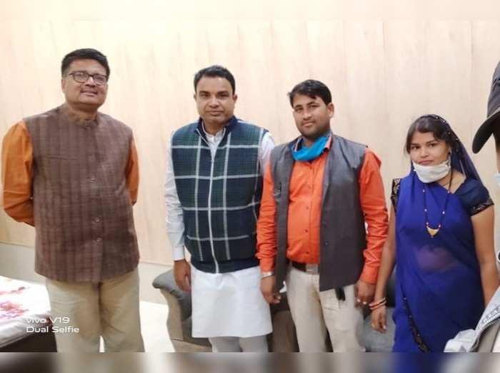 Rajasthan : प्रशंसनीय ! चौका चूल्हा करने वाली महिला सरपंच ने की IAS- प्री की परीक्षा पास, बड़ी रोचक है इनकी कहानी