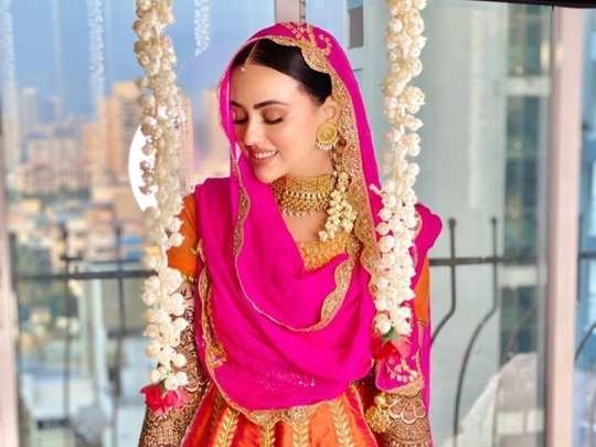 sana khan morning skincare routine to avoid acne is a must try