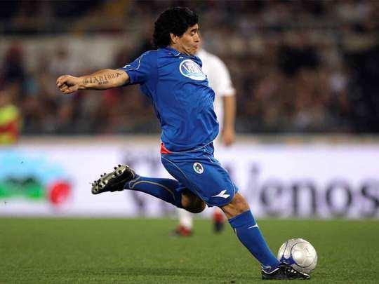 diego maradona use to wear puma shoes, he was its brand ambassador also for a long time