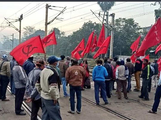huge impact of bharat bandh called by trade unions, economy cost 25000 crores
