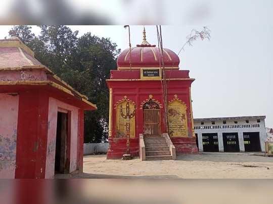 Gonda news: पांडव कालीन ऐतिहासिक मंदिर पर में जाने लिए हर साल बनाते हैं लकड़ी का पुल, ऐसे जान जोखिम में डाल रहे सैकड़ों लोग