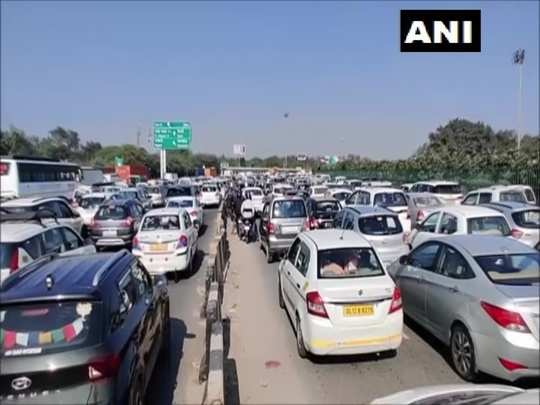 farmers protest in delhi live update on delhi metro and traffic from ncr cities