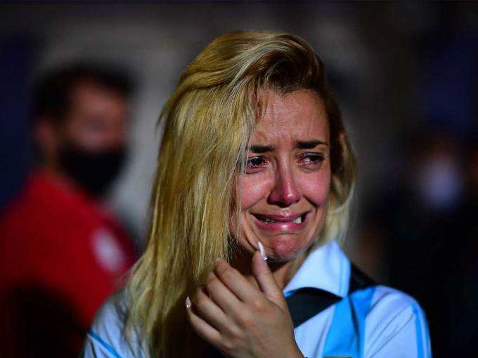 जहां तहां रोते दिखे फैन