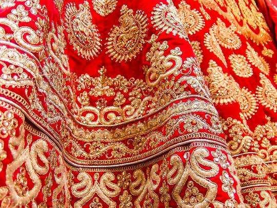 Lehenga on Amazon : इन स्टाइलिश Lehenga में दुल्हन दिखेगी सबसे खूबसूरत, कीमत भी है इतनी कम