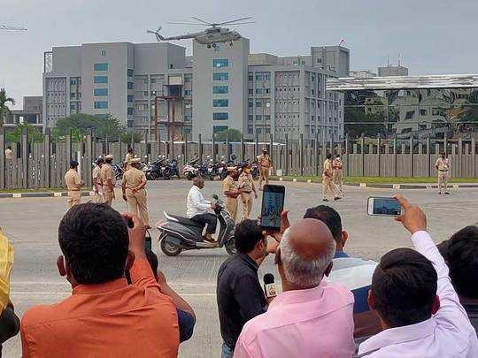PM Modi in Pune : पुण्यात मोदी येताच आसाराम बापूच्या सुटकेसाठी घोषणा; तिघे पोलिसांच्या ताब्यात