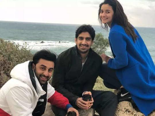 अयान मुखर्जी के साथ रणबीर और आलिया
