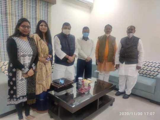 Sultanpur news: अखिलेश सरकार में दर्जा प्राप्त मंत्री रहे संदीप शुक्ला ने छोड़ी SP, AAP में हुए शामिल