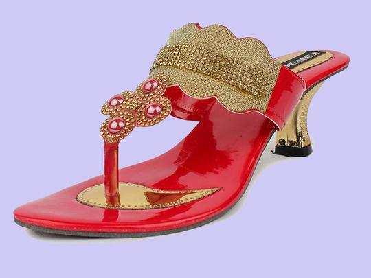 शादियों में पहनकर जाने के लिए बेस्ट हैं ये Womens Sandals, Amazon दे रहा है 70% तक का डिस्काउंट