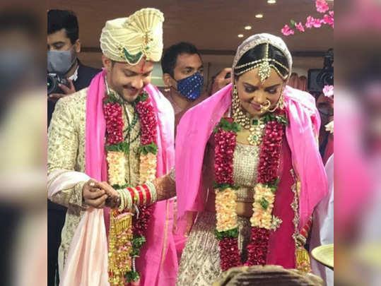 aditya narayan wedding with shweta aggarwal at iskcon temple juhu inside pictures