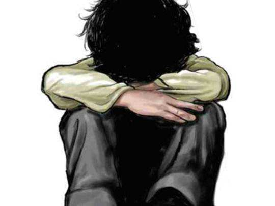पुणे: टीव्ही बघतो म्हणून सावत्र आई रागावली, १३ वर्षीय मुलाने घेतला गळफास
