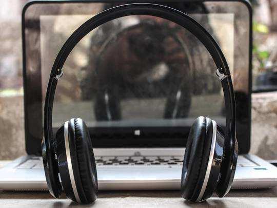 Headphones On Amazon : क्लियर और दमदार साउंड के लिए आर्डर करें Headphones, भारी छूट का फायदा उठाएं