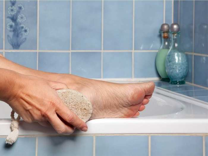 how to use pumice stone to heal cracked feet in marathi