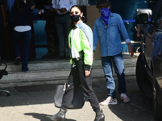 alia bhatt looks beautiful in fragile sweatsuit set & cropped hybrid jacket