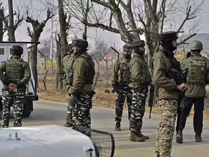 जम्मू-काश्मीरच्या पुलवामा येथे २ दहशतवादी चकमकीत ठार