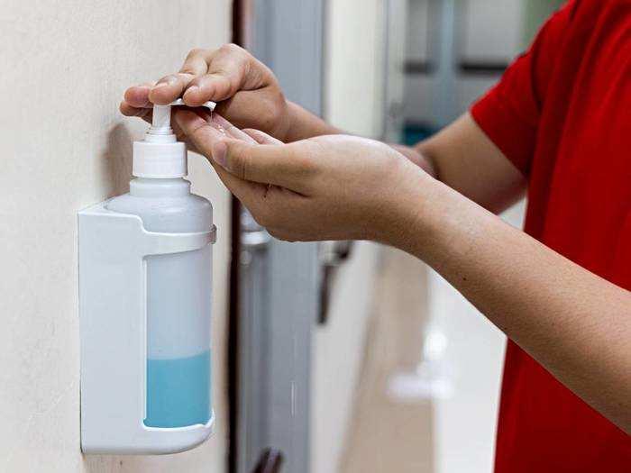 Sanitizer On Amazon : हाथों को कीटाणुओं से सुरक्षित और मुलायम रखेंगे यह Sanitizer, कोंबो ऑफर के साथ करें ऑर्डर
