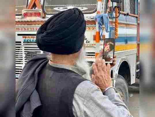 Thousands of Farmers left for Delhi