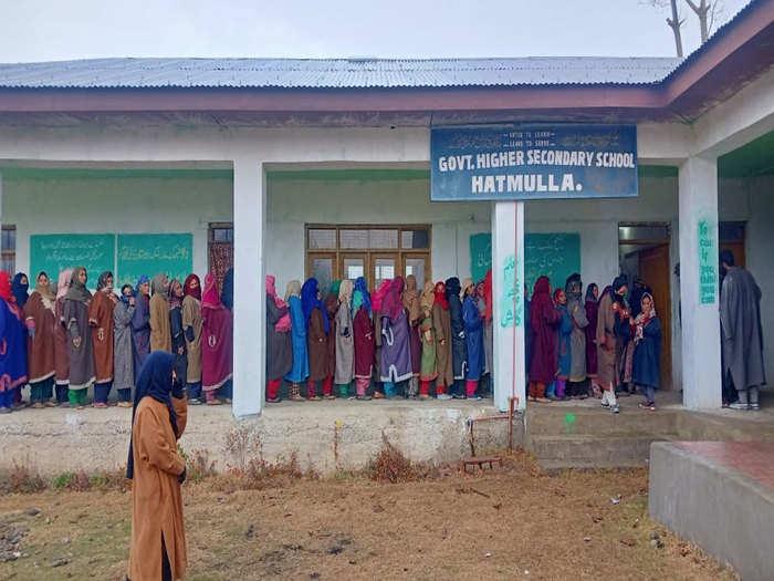 डीडीसी चुनाव के लिए वोटिंग जारी