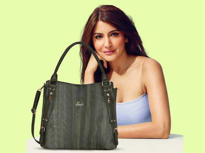 Lavie और Caprese जैसे ब्रांडेड Womens Handbag पर मिल रही 70% छूट, हाथ से जाने दें ये मौका
