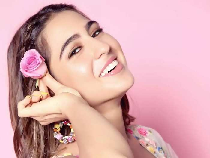 bollywood actress sara ali khan expensive and stylish outfits collection in marathi