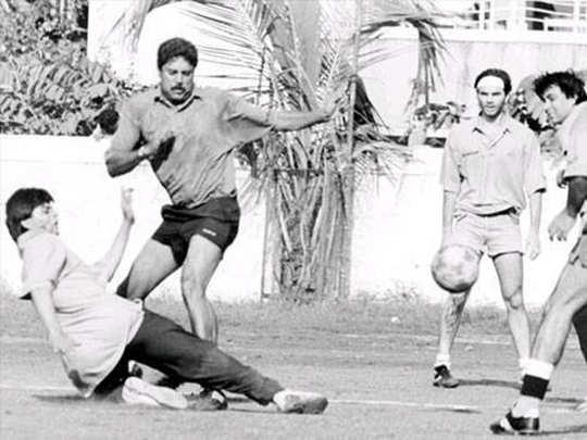 Shah Rukh Khan and Kapil Dev Playing football