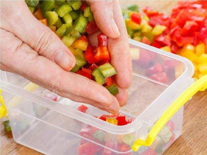 side effects of feeding food to baby in plastic utensils in marathi