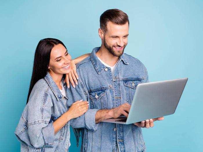 Denim Jackets On Amazon : क्लासी और ट्रेंडी डेनिम जैकेट्स को Amazon Sale से खरीदें बेहद सस्ते में
