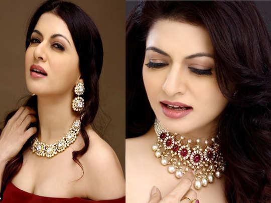 beautiful actress bhagyashree sharing her secret of beautiful hair in winter season