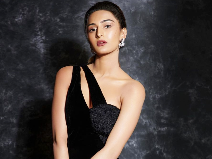erica fernandes look super stylish in risque sheer dress to an awards function