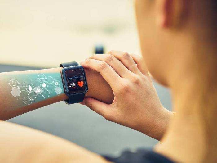 Best Selling Smartwatches : पर्सनैलिटी को और भी स्टाइलिश लुक देंगी यह Smart Watches