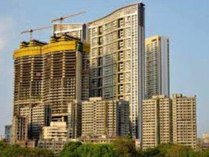 मुंबई में इस साल 10 करोड़ रुपये से अधिक मूल्य वाले 240 यूनिट्स की बिक्री हुई।