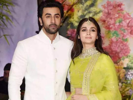 alia bhatt is always a stylish wedding guest