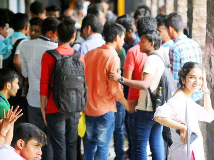 nitish kumar govt big plan for employment almost 2.5 lakh jobs will come new year 2021 know details