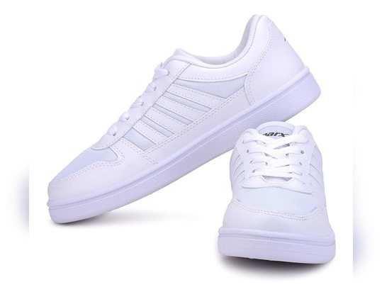 न्यू ईयर सेलिब्रेशन के मौके पर पहने यह स्टाइलिश Sneakers on Amazon, हैवी डिस्काउंट पर ऑर्डर करें