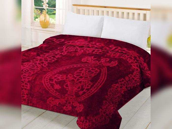 300 रूपए के शुरुवाती कीमत मिल रहे शानदार Blanket, ठंडी होगी छूमंतर