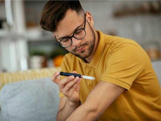 how to check blood sugar at home in hindi