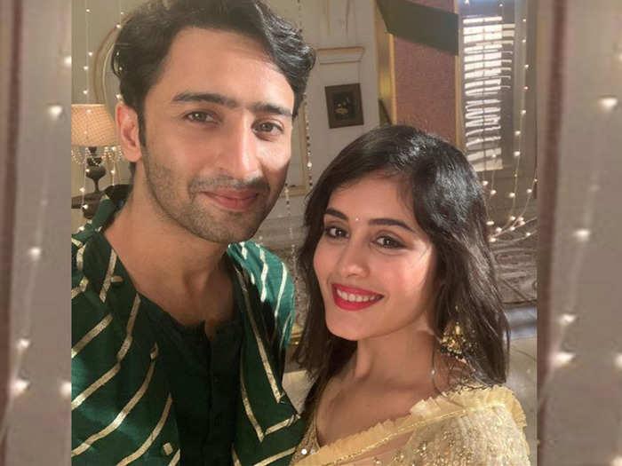 शाहीर शेख के साथ रिया शर्मा-Instagram@rhea_shrm