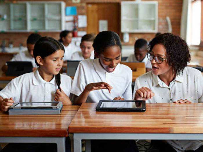 Free tablets for all class 8 to 12 students of Haryana schools