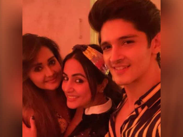 Hina Khan With Friends