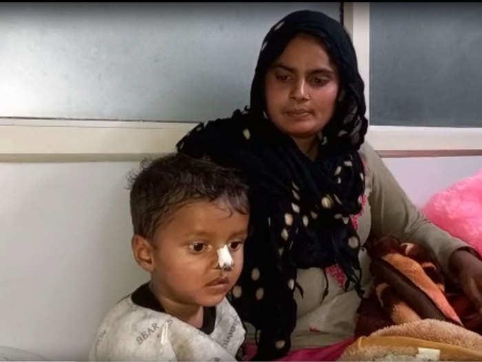 अस्पताल में बेटे के साथ फरमानी नाज