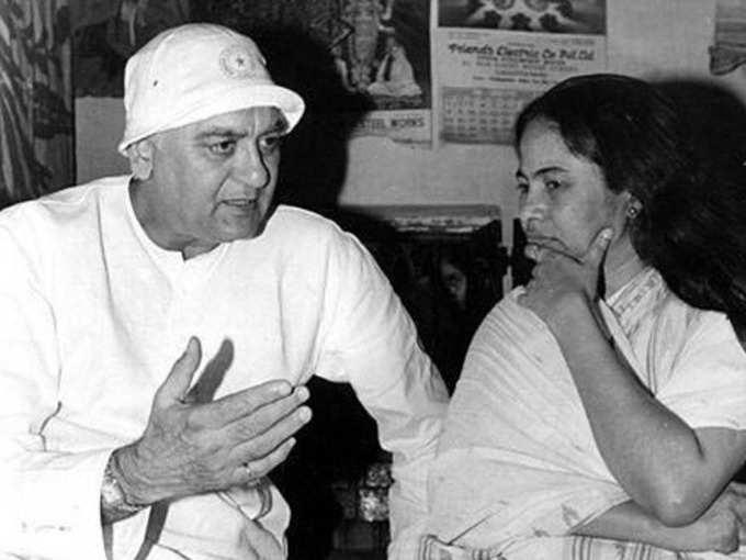 navbharat times Mamata Banarjee Biography in Hindi - Age, Career, Education, husband, Net Worth