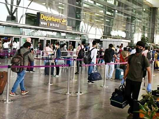 Passengers arrive at Kempe Gowda International Airport following the resumption of domestic flight services (Representational image).
